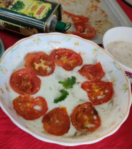curd with baked tomatoes