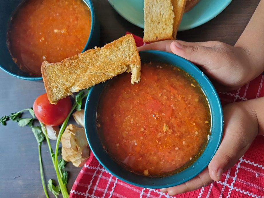 Tomato garlic ginger soup winters