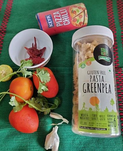 ingredients for the tomato vegan pasta